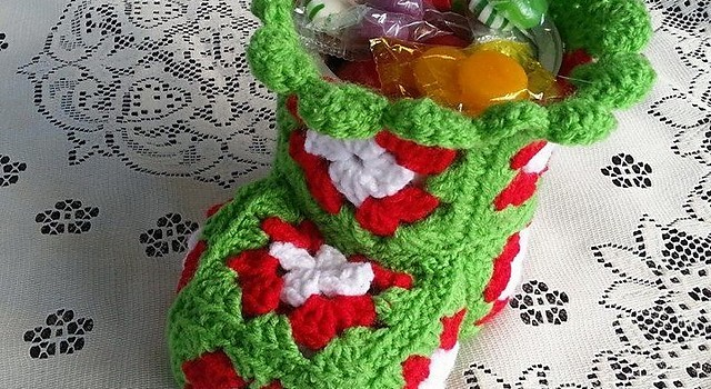 free pattern cute crochet christmas bootie candy dish to be filled with christmas treats - Christmas Candy Dishes