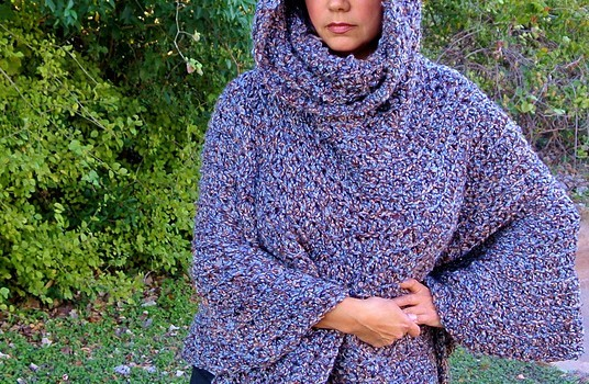 Free Pattern This Hooded Capelet Poncho Is Perfect For Girls Teens