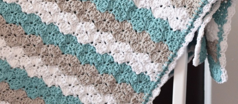 [Free Pattern] Simple But Elegant Shell Stitch Baby Blanket - Knit And Croche...