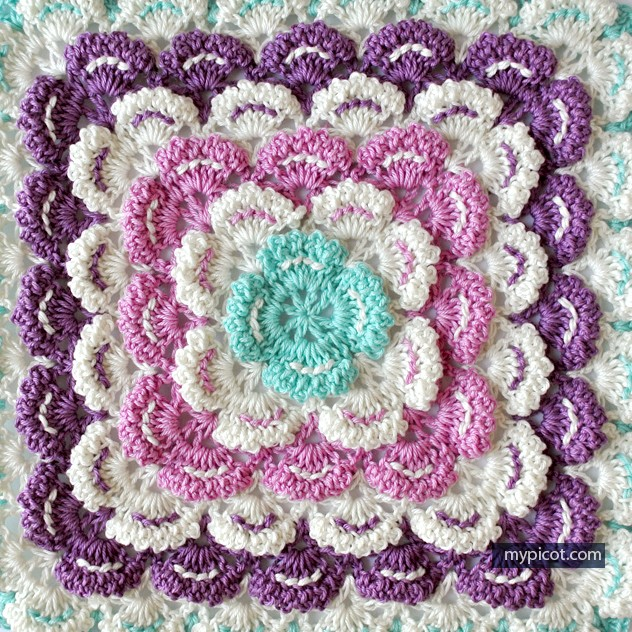 [Photo Tutorial] This Gorgeous Crochet Square Blanket ...