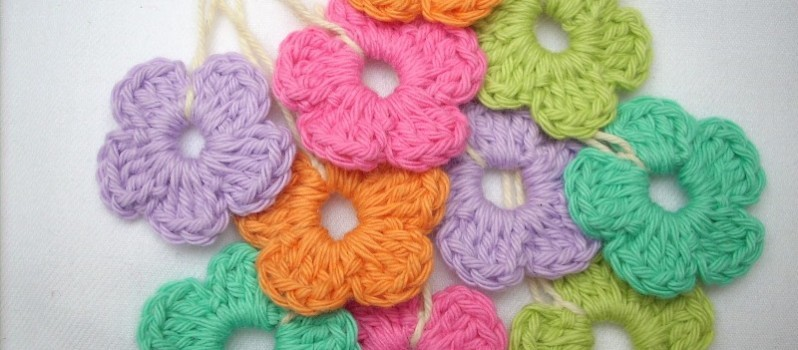 Simple Crochet Flower Free Pattern : [Free Pattern] Quick And Easy Peasy Crochet Flower ...