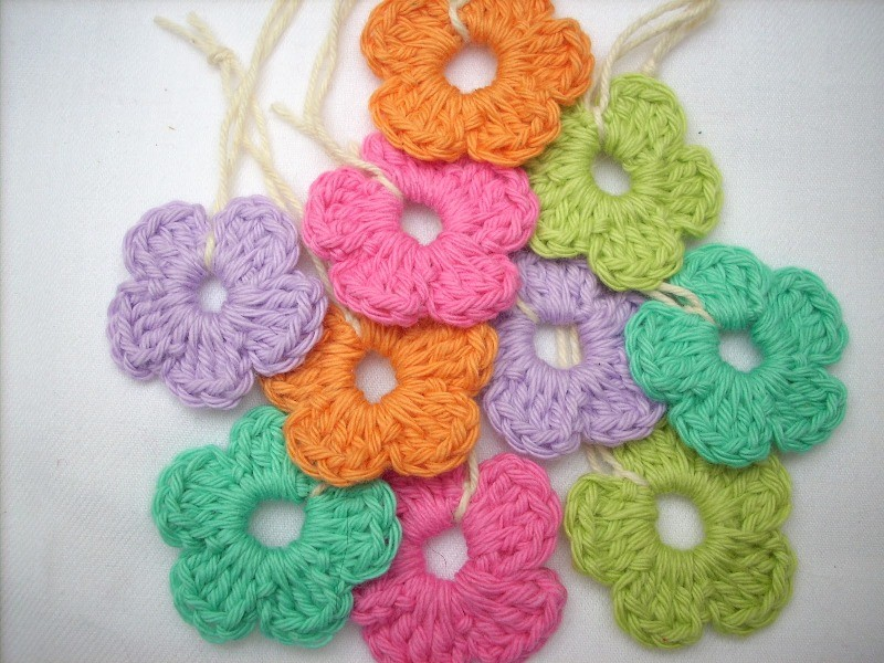 Free Crochet Patterns Flowers Easy : [Free Pattern] Quick And Easy Peasy Crochet Flower ...