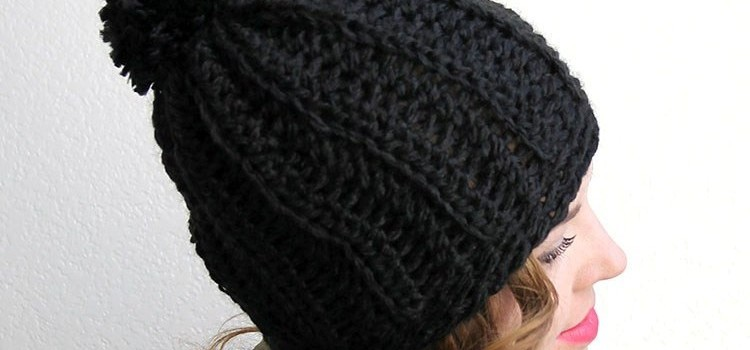 Free Pattern  Simple And Fast Technique To Make The Cutest Chunky Ribbed  Slouch Hat Ever! d9da3ad2d