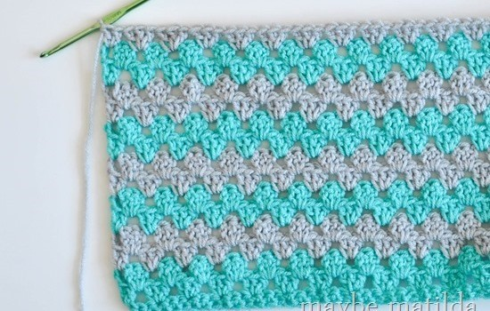 Quick Easy Baby Blanket Knitting Pattern : Incredibly Fast And Easy Baby Blanket Crochet Pattern - Knit And Crochet Daily