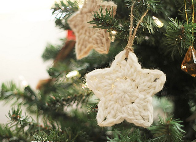 [Photo Tutorial] You Can Use This Great Idea For Lots Of Your Little Crochet Bits ( Best Stars Ever!)