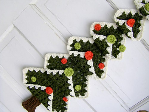 Vintage Granny Square Christmas Tree by Dawn