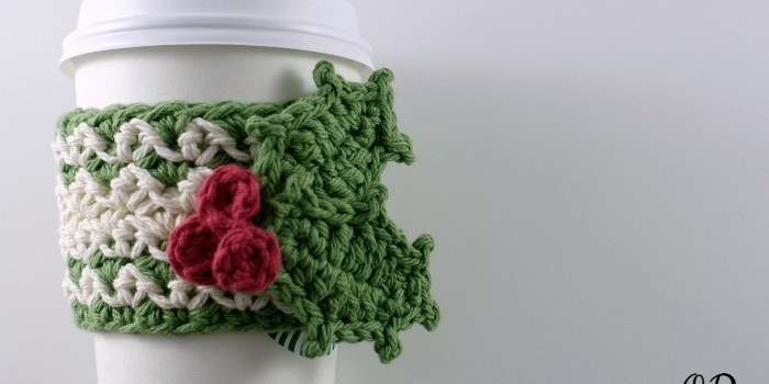 Free Pattern Simple And Quick Coffee Cup Cozy With Holly Leaf And