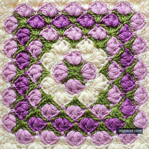 Crochet Square Patterns For Beginners : [Photo Tutorial] This Crochet Square Blanket Pattern Is ...