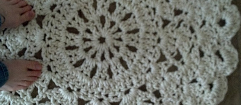 Free Pattern This Crochet Doily Rug Is An Affordable Way To Make