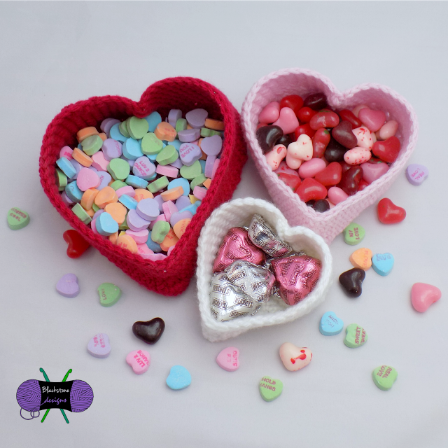 [Free Pattern] These Little Heart Baskets Are The Perfect Candy Dishes
