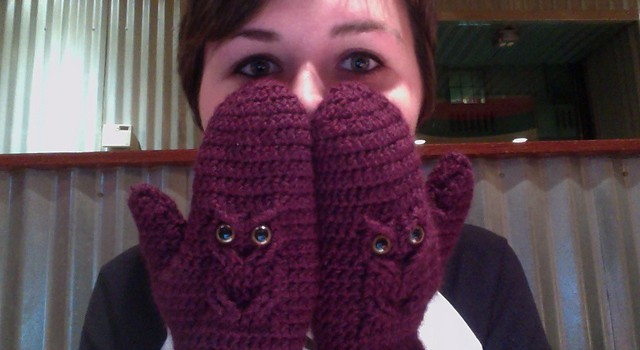 Free Pattern This Owl Mittens Pattern Turns Anyone Into A Talented