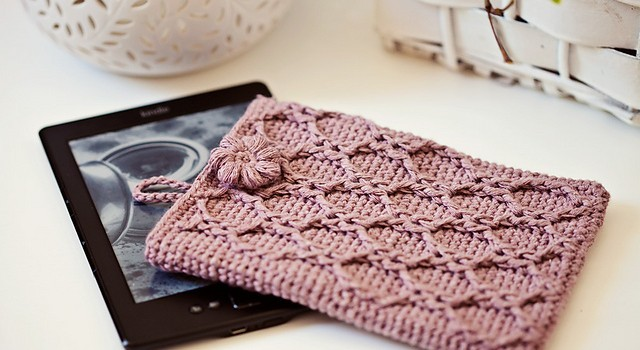 Free Pattern One Of The Most Beautiful Crochet Kindle Cover Youll