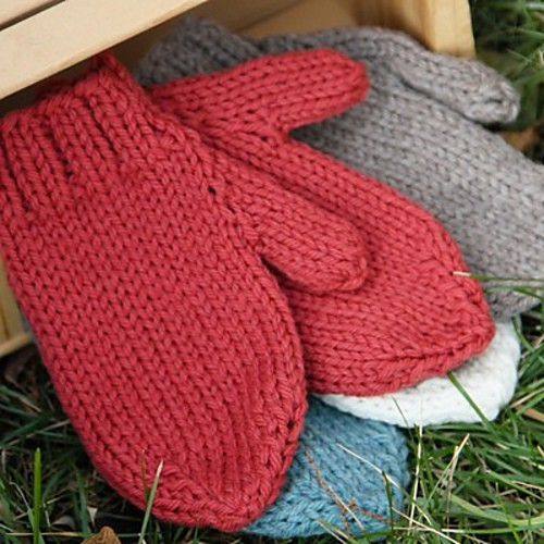 Knitting Needles Northampton : Free pattern the perfectly cozy and warm gloves you ll