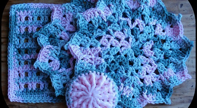 Free Pattern The Easiest And Quickest Flower Dishcloth Ever Knit