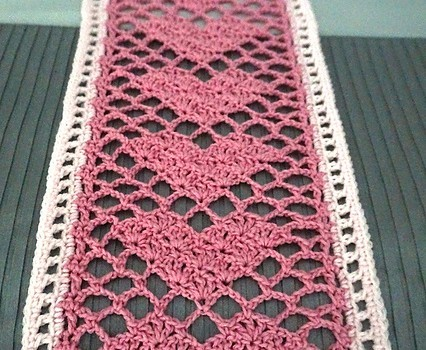 Free Pattern This Reversible Sweetheart Lace Scarf Is The Perfect