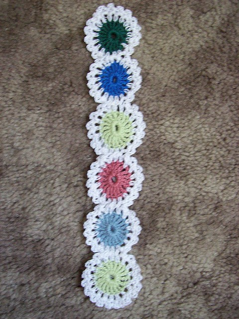 Yo-Yo Bookmark by Priscilla Hewitt