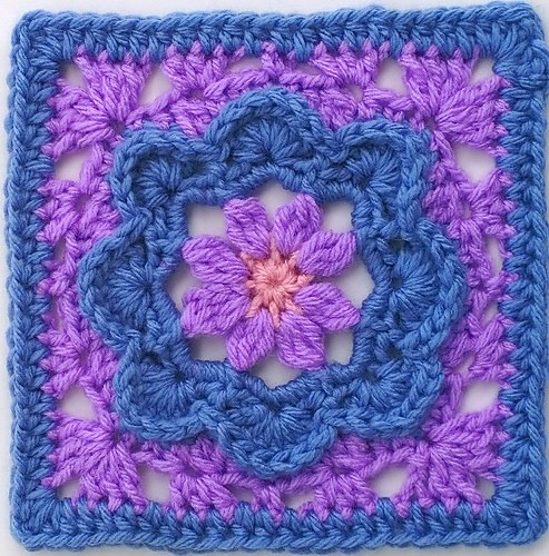 [Free Pattern] Truly Charming Little Square Anyone Can Make