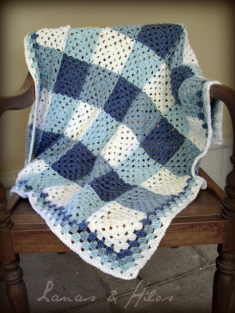 [Free Pattern] Beautiful Plaid Granny Blanket Made Using A Little Twist To The Granny Pattern