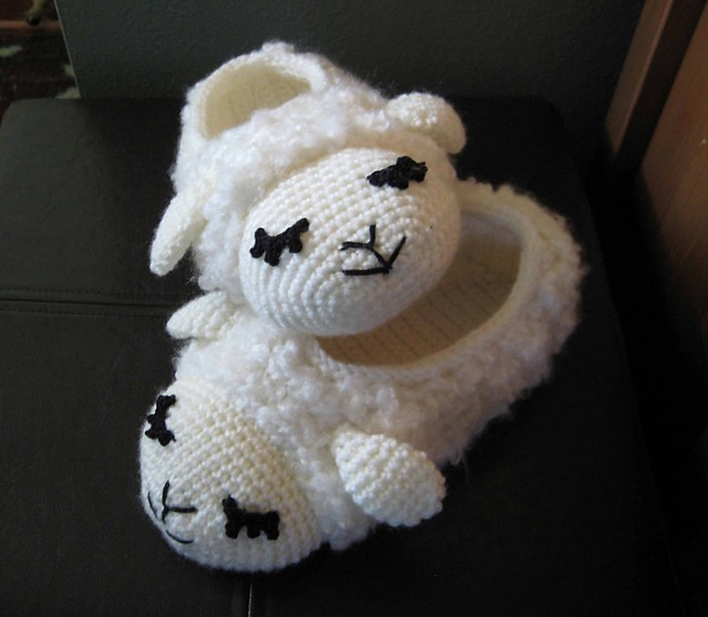 [Free Pattern] Fun To Wear And Beautifully Designed Sheepy Slippers