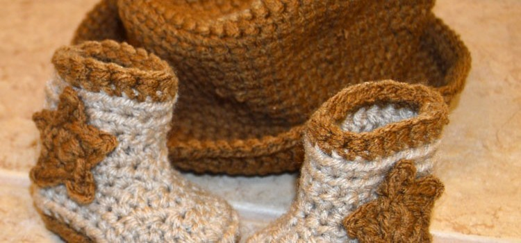 Free Patterns These Newborn Cowboy Hat And Boots Are Adorable