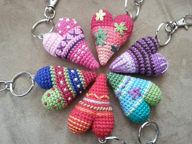 Free Knitting Pattern Keychain : [Free Pattern] Adorable And Easy To Make Heart Keychain...The Perfect Valenti...