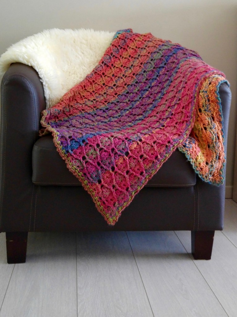 [Free Pattern] Beautiful Textured Baby Blanket Full Of Colours With Stunning Effect