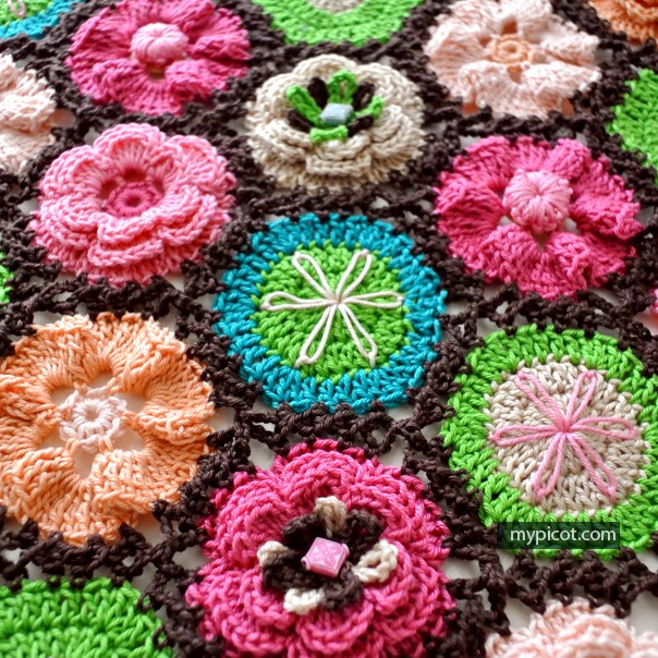 [Free Pattern] Stunning Crochet Flower Motifs For Blanket