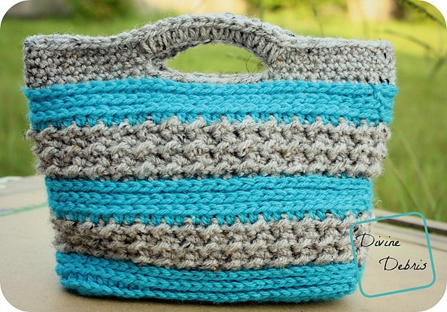 [Free Pattern] This Super-Cute Crochet Purse Is Very Easy To Work Up, In No Time At All!