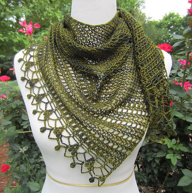 [Free Pattern] Gorgeous Light, Asymmetrical Wrap Which Can Also Be Worn As A Scarf