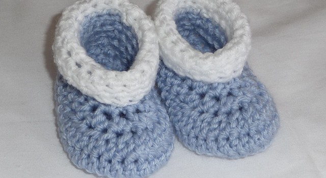 Free Pattern Adorable No Seam Baby Booties The Easiest Pattern