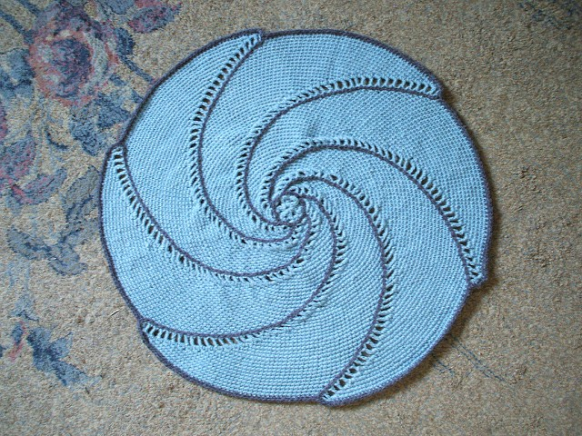 [Free Pattern] Incredibly Beautiful Spiral Baby Blanket