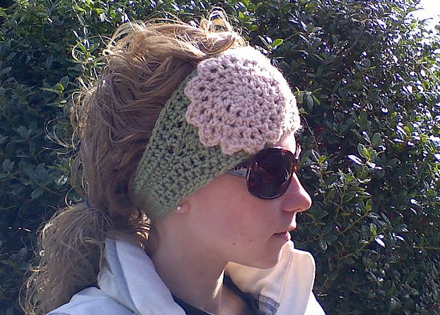 [Free Pattern] This Super Cute Crochet Headwrap Is A Wonderful Pattern For Gifts