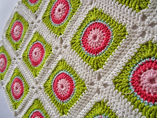 [Free Pattern] Beautiful And Colorful Square That Will Always Cheer You Up