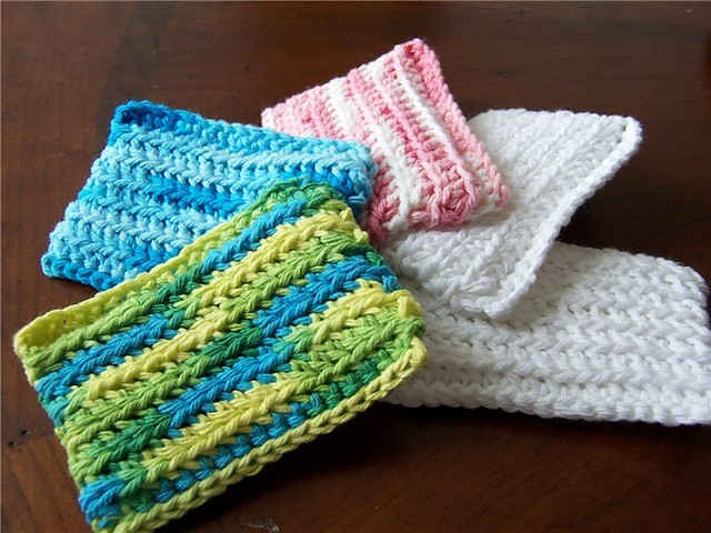 [Free Pattern] You'd Be Amazed To See How Well This Crochet Dish Sponge Works!
