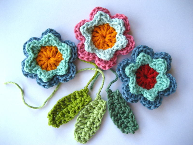 [Free Pattern] Amazingly Beautiful And Simple Crochet Flowers And Leaves