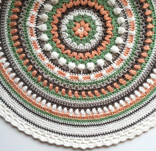 Daily Crochet Com : Free Pattern] Stunningly Beautiful Crochet Mandala Pattern - Knit And ...