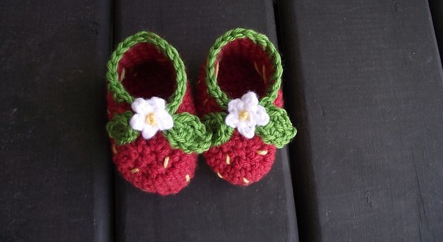 Free Pattern These Little Strawberry Booties Are Really Precious