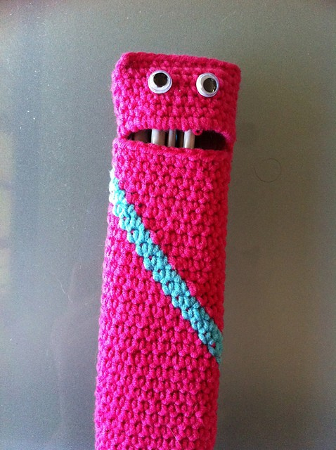 [Free Pattern] This Crochet Hook Case Is A Fun Way To Keep Your Things Nice And Tidy