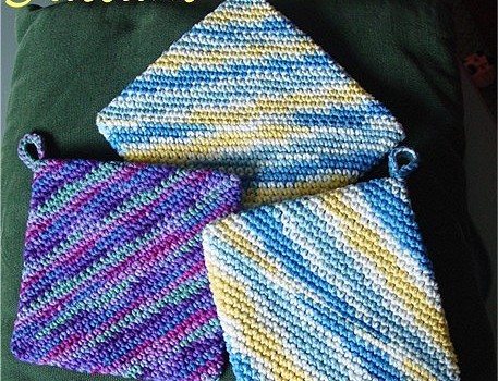 Best Knitting Pattern Holder : [Free Pattern] The Best Pot Holder Pattern Ever - Knit And Crochet Daily