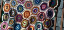 [Free Pattern] This Hexagon Blanket Is Mind-Blowingly Beautiful!