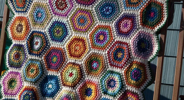 Free Pattern] This Hexagon Blanket Is Mind-Blowingly Beautiful ...