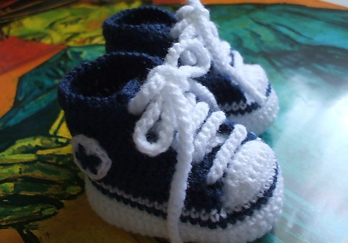 Free Pattern These Crochet Baby Converse Shoes Really Make Any Baby