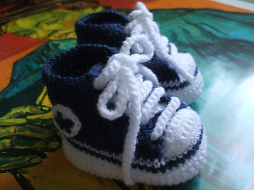 [Free Pattern] They Crochet Baby Converse Shoes Really Make Any Baby Outfit Seem So Stylish