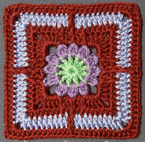 [Free Pattern] Insanely Cute Flower Square