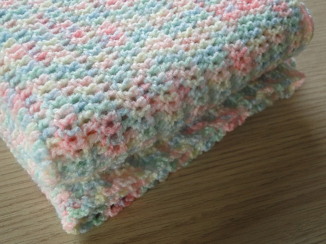 Crochet Patterns For Beginners Baby Blankets : [Free Pattern] Lovely, Soft And Insanely Easy Crochet Baby ...