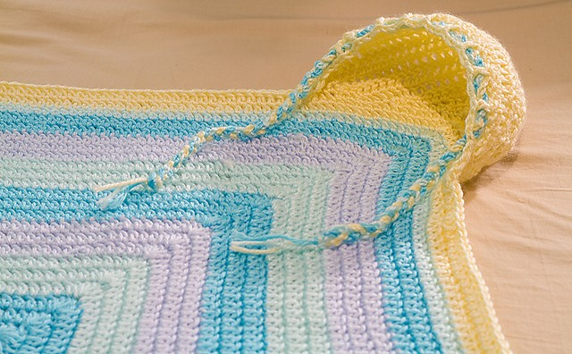[Free Pattern] Cutest Hooded Baby Blanket Ever! - Knit And ...