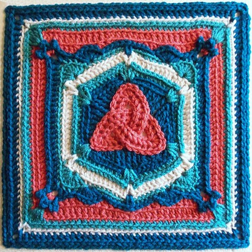 [Free Pattern] Fabulous Crochet Square With A Magical Design