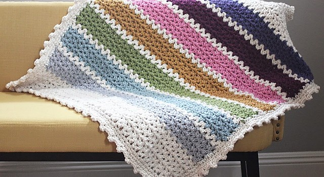 Free Pattern This Quick And Easy Chunky Crochet V Stitch Afghan