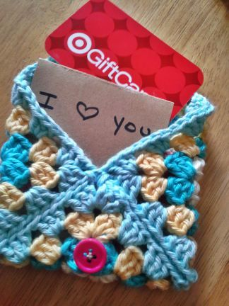 [Free Pattern] 6 Surprisingly Adorable Last-Minute Gifts You Can Make From 1 Or 2 Granny Squares