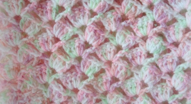 Free Pattern] This Quick And Easy Crochet Baby Blanket With Adorable ...